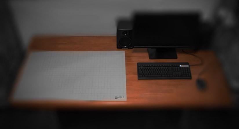 絵を描いたり、パソコンで作業する制作用の机はダイニングテーブルを活用すると便利